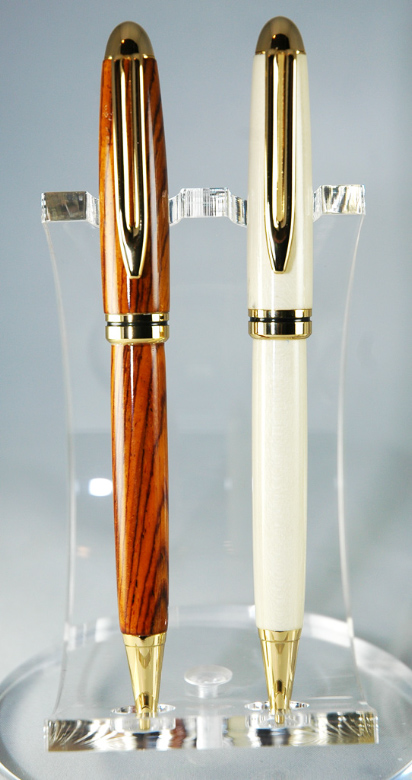 Queen Monarch Pens